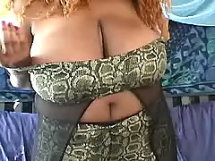 Ebony fat mom shows her greasy body bbw porn