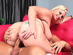 Chunkey Slut Exercises For Pleasure bbw porn