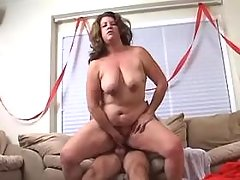 Redhead mature BBW with big tits licked by man bbw porn