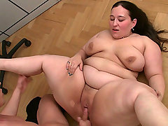 BBW takes off work to fuck bbw porn