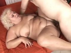 Chubby horny mature fucked by guy bbw porn